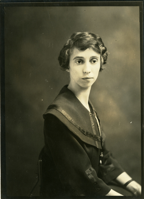 Davis, Miss Oma